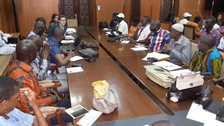 Nuit des débats à Dakar