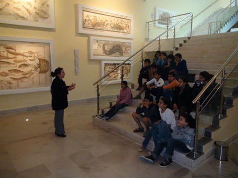 Élèves au musée