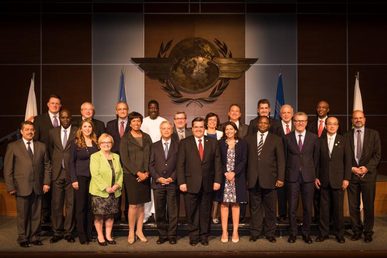 Photo des maires présents au Sommet du vivre ensemble de Montréal en 2015